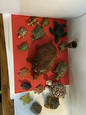 Vintage Hand Carves Wood Turtle W/shell Lid and lot of other Turtles