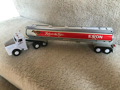 1993 COLLECTOR SERIES EXXON 'RELY ON THE TIGER' TOY TANKER TRUCK w/TRAILER