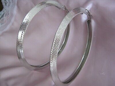 SILVER /& CREAM SQUARE SHAPE HOOP EARRINGS  50mm MIXED METAL LEVERBACK TO CLOSE