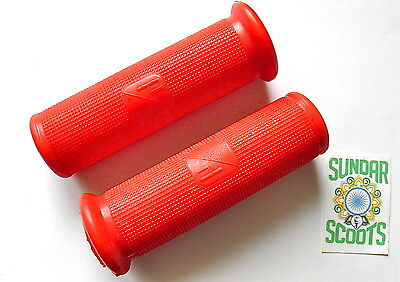 Red Handlebar Grips. Piaggio Logo On The Side. Suitable For Vespa Scooters