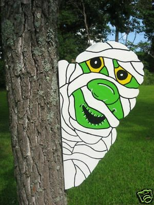 Mummy Tree Peeker Halloween Yard Art Decoration