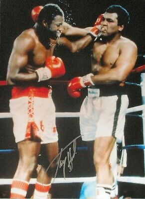 """LARRY HOLMES SIGNED 16""""x12"""" BOXING PHOTOGRAPH v MUHAMMAD ALI SEE PROOF"""