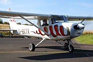 60 min flying lesson - Cumbernauld, Perth, Inverness