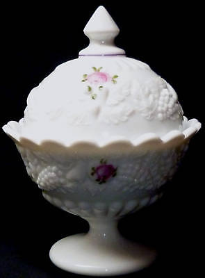 Vintage Westmoreland Milk Glass Roses & FMNs Della Robbia Pattern Covered Candy