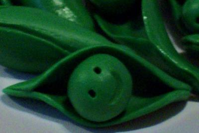 A Pea In A Pod~ Lot of 6 Handmade Peapods by ValAries