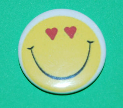 300 x Yellow Smiley Face BUTTON PIN BADGES 25mm 1 INCH Retro Rave House Geek