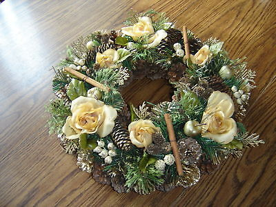 "Rosebud & Berry 15"" Wreath – Brand New"
