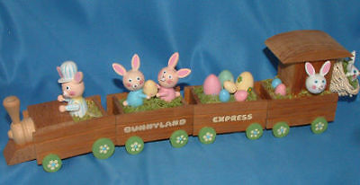 Enesco 1983 Vintage Easter Bunny Wooded Train Express complete Box E-3477
