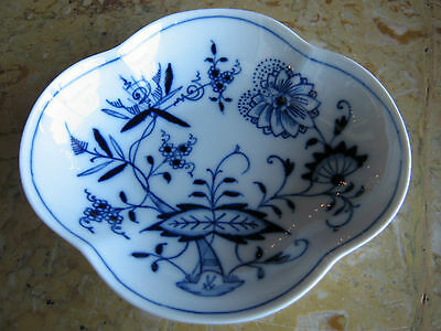 Antique Early 20th Century Meissen Blue & White Porcelain Candy ? Dish
