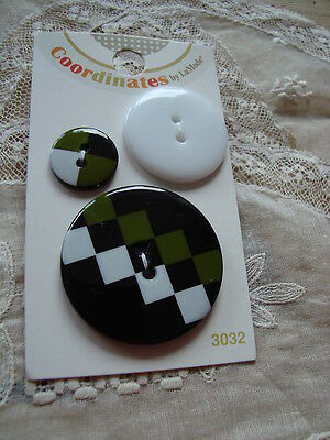Card La Mode Coordinates Checkered Past - 3 Buttons