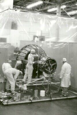 Technicians working in the McDonnell White Room spacecraft Mercury Program