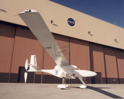 Solar-powered Pathfinder remotely piloted research aircraft 8X12 PHOTO NASA A