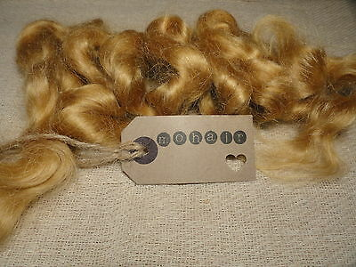30g (approx 1oz) MOHAIR.  Dark Blonde/Golden Blonde - waves