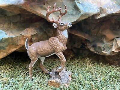 Retired Red Deer Schleich Figurine Animal  Christmas Winter  Wild Life Diorama