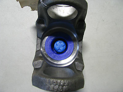Oshkosh Yoke, Universal Joint # 1426380W  Nsn: 2520-01-200-1004  5-4-5991X