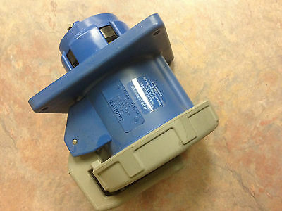 560R9W Hubbell 60A Receptacle HBL560R9W