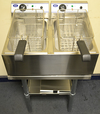 NEW Electric TWIN 17L Commercial Deep Fat Fryer on STAND COMES WITH 2 LIDS