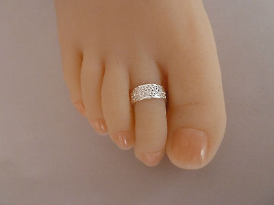 2x  Silver plated Toe Rings, size adjustable, Womens jewellery. Free Post OZ