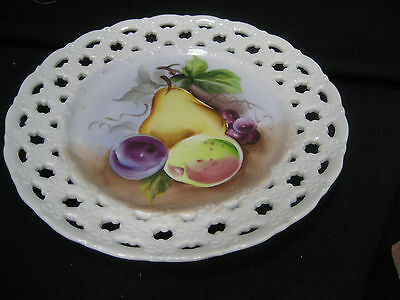 """Lefton lace edged hand painted fruit plate with pear plum grapes 8"""" diameter"""