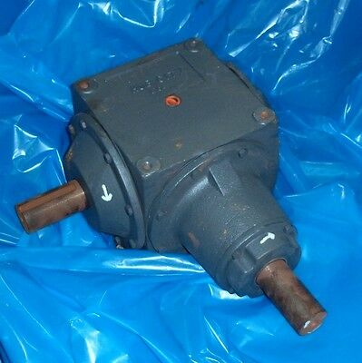 Hub City Ratio 1:1 Bevel Gear Reducer Model1010 P/N 0220-06302 Style C