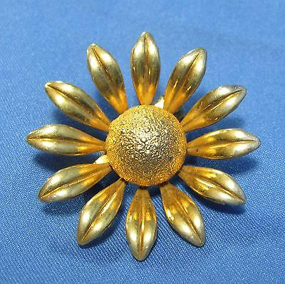 Vintage Daisy Flower Textured Round Bead Center Glossy Goldtone Metal Pin Brooch