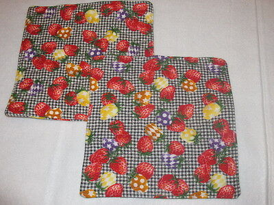 Set of 2 handmade quilted pot holders Fruit Strawberries Strawberry plaid