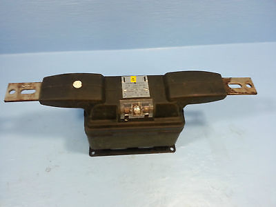 GE General Electric 631X19 CT Current Transformer Type JKM-5 Ratio 300:5 Amp