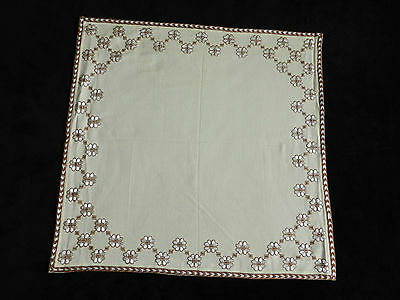 """vintage hand embroidered tablecloth  Dimensions 26""""/25""""   n4936"""