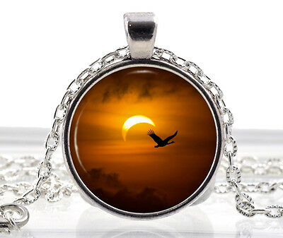 Solor Eclipse Necklace - Sun Pendant - Moon Necklace Bird Jewelry Gifts for Her