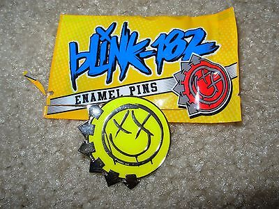BLINK 182 official Tour YELLOW Enamel Pin badge button blind bag