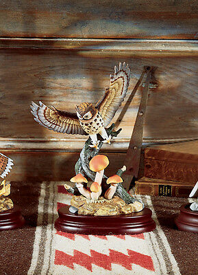 Andrea By Sadek Porcelain Great Horned Owl Figurine with Base / Bird Statue