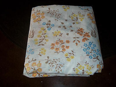 Adorable VintageTwin Size Fitted Sheet,White W/ Multicolored Floral Print, CUTE!