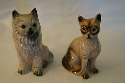 Collectable - Cute Animal Figurines - 2 x Loveable Cats.