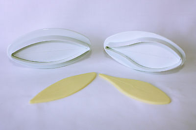 Lily Plunger Cutters, Set of 2, Veined, Medium, Sugarcraft, Cake Decorating