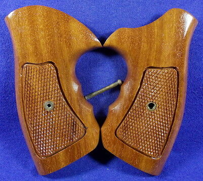 """NEW GLOSS WOOD CHECKERED GRIPS 4 TAURUS M 83 .38, SPECIAL 4 """" REVOLVER"""