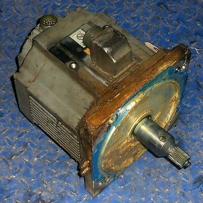 Yaskawa Electric 2200W 16.6A Ac Servo Motor Usaded, Label