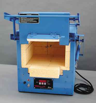 Paragon F120 Kiln is a kiln used for Beading and Annealing Glass/Ceramic Kiln