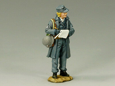 King and (&) Country LW007 - Luftwaffe-Helferin - Retired