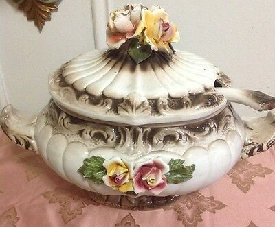 Capodimonte Soup Tureen with lid