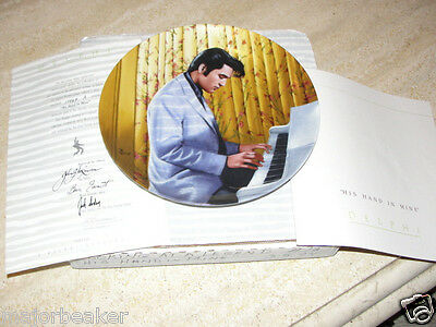 ELVIS PRESLEY HIS HAND IN MINE LOOKING AT A LEGEND COLLECTOR PLATE DELPHI # 13