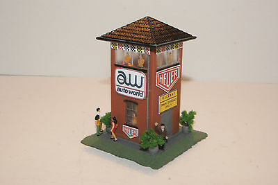 AUTOWORLD / HEUER TIMERS TOWER  with 10  PEOPLE  AWESOME for AFX ,TYCO RACESETS