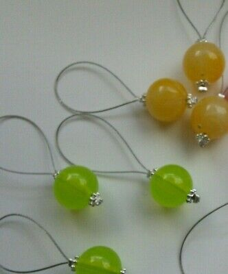 8x Knitting stitch markers will fit up to 20mm needles
