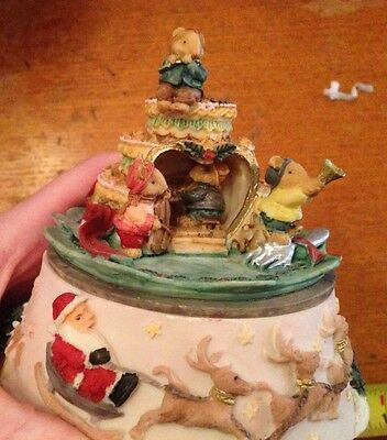Christmas Music Box featuring Mice Musicians