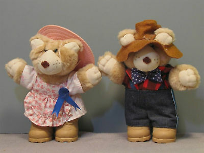 Wendy's Collectible Furskins Bears - Farrell and Hattie - 1986