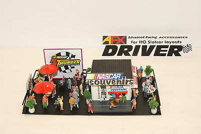 NASCAR THUNDER SOUVENIR STAND has 55 PEOPLE, for AFX , TYCO, AURORA RACESETS