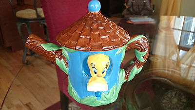 1998 WARNER BROS. STUDIO STORE TWEETY BIRD BIRDHOUSE CERAMIC TEA POT ~ MINT