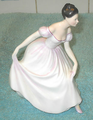 VINTAGE 1990s ROYAL DOULTON FIGURINE DANIELLE HN 3001 BY PETER A GEE