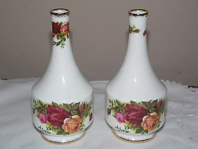 Pair of ROYAL ALBERT OLD COUNTRY ROSES BUD VASES 13cms VGC Nice Present (201A)