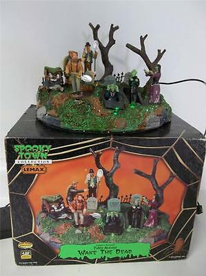 "Lemax Spooky Town 2010""Wake The Dead""Table Decor Lighted Animated Grave Digger"