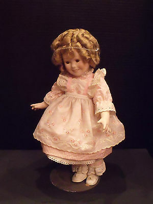 """VINTAGE SHIRLEY TEMPLE  """" DOLL 1982 PORCELAIN CBS INC. #8068 LIMITED EDITION"""